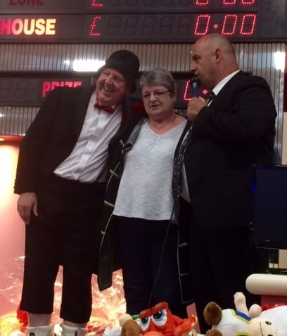 Apollo Bingo winner with manager Dave and Jimmy Cricket