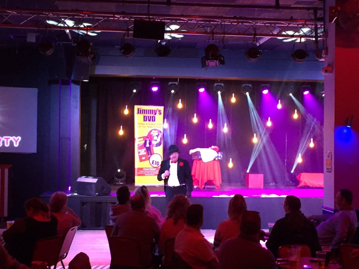 Had a great afternoon at @Pontins Camber Sands with Ents Manager Matey, Compère Nial and Dave on sound and lighting, alongside the resident Bluecoats, as I was the first to perform on their newly built state of the art showstage!